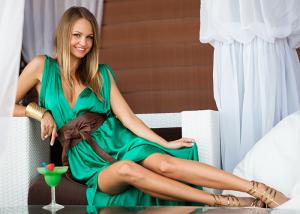 Confection-de-robes-de-cocktail-haute-couture