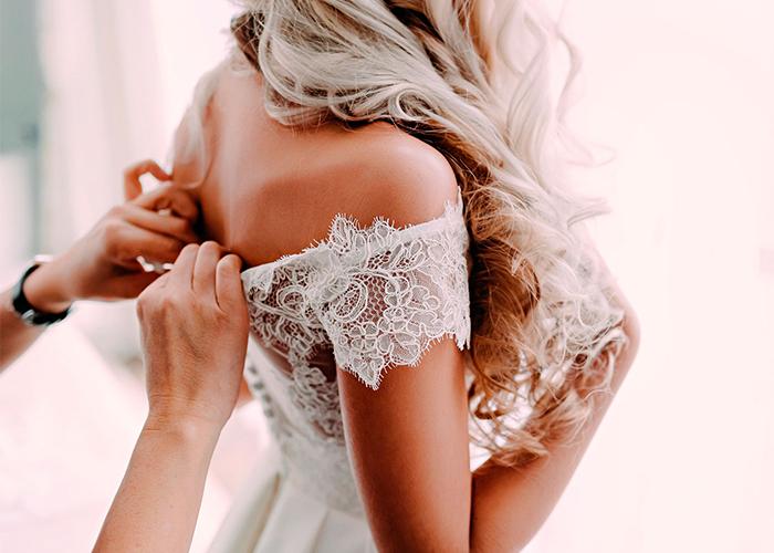 Confection-de-robes-de-mariage-sur-mesure