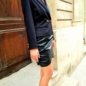 Veste de tailleur et jupe asymétrique sur mesure par Clémence Montfort
